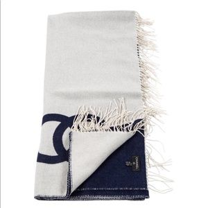CHANEL CC NAVY &white cashmere blend THROW BLANKET